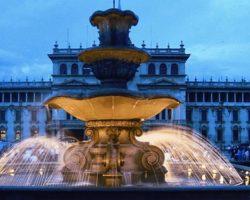 Fuente_Plaza_de_la_Constitucin_Ciudad_de_Guatemala_
